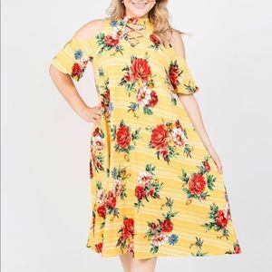 Dresses & Skirts - New Plus Size Floral Cold Shoulder Tunic Dress